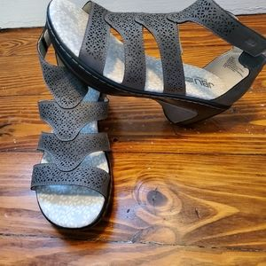 New women's JBU by Jambu Bianca sandals size 7
